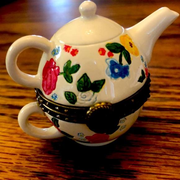 Boyd's Bears resin granny Mae hinged teapot no box